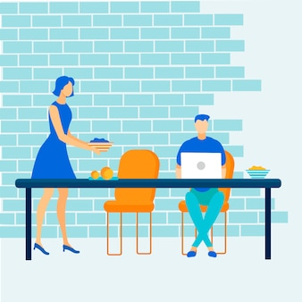 Mann-freiberufler, der online an laptop am café arbeitet