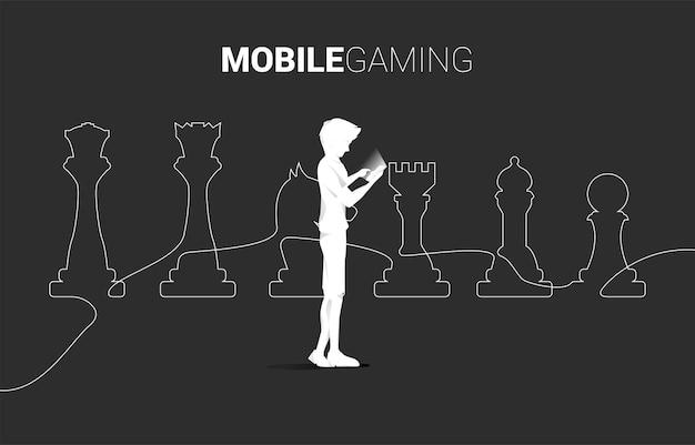 Mann mit handy und schachfigurenlinie silhouette