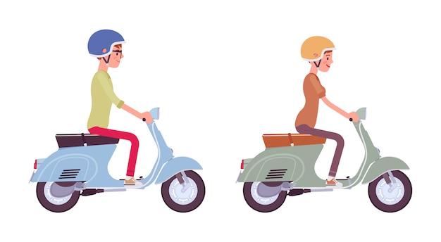 Mann und frau fahren einen roller