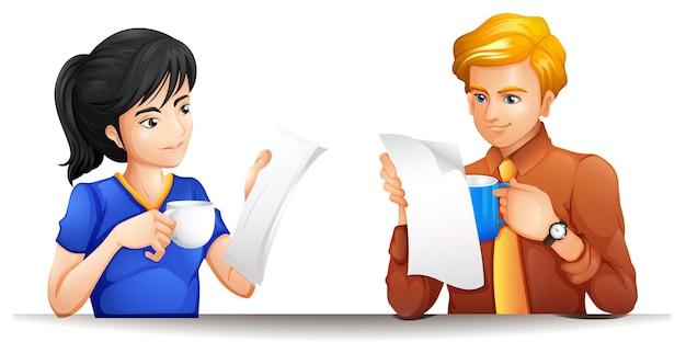 Mann und frau mit kaffeetasse und papieren in den händen