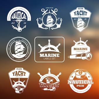 Marine, nautische etiketten auf unscharfem hintergrund. s.