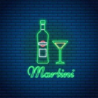 Martini-glas und flasche mit schriftzug im neonstil auf backsteinhintergrund. alkohol-cocktailbar-symbol, logo, schild