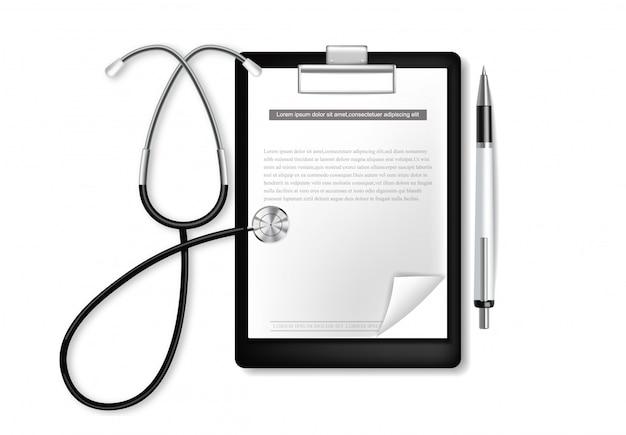 Medizinische zwischenablage mit realistischem stethoskop.