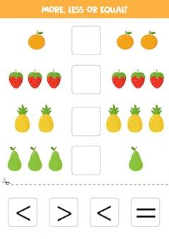 Mehr, weniger oder gleich mit niedlichen cartoonfrüchten. pädagogisches mathe-spiel für kinder. vektororange, erdbeere, ananas, birne.