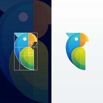 Mehrfarbige illustration des modernen abstrakten papageien mit goldenem schnitt