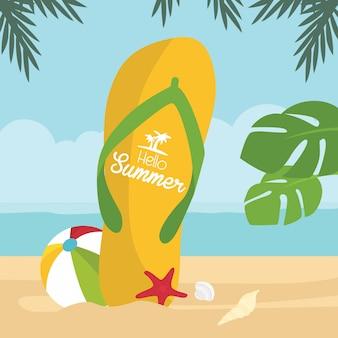 Mehrfarbiger enormer flipflop mit sommerferiengruß auf dem tropischen strand