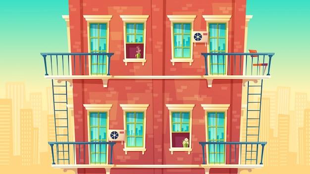 Mehrstöckige wohnwohnungsfassade, haus außerhalb des konzeptes, privates gebäude