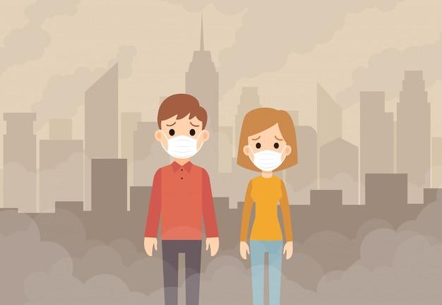 Menschen, die schützende gesichtsmasken vor kontaminierter luft und rauch im stadthintergrund tragen.