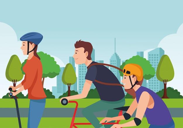 Menschen mit skate bikes und scooter