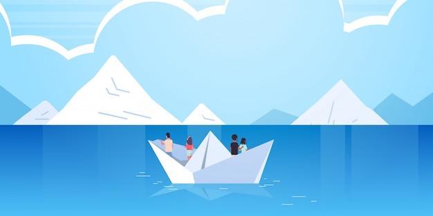 Menschengruppe schwimmend auf papierboot rückansicht männer frauen team reisen auf schaf entdeckung konzept mix mix männliche weibliche comicfiguren berge seestück hintergrund flach horizontal