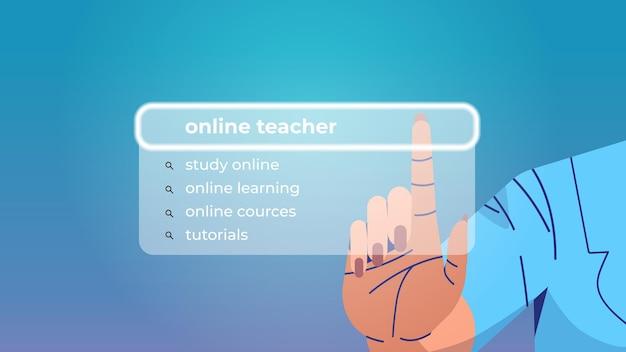 Menschliche hand, die online-lehrer in der suchleiste auf dem virtuellen bildschirm auswählt