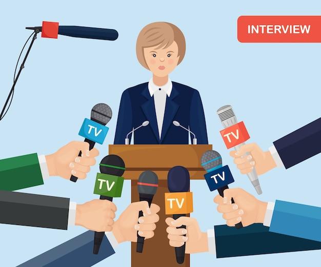 Mikrofone in händen von reportern