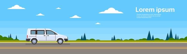 Mini-van-auto auf der straßen-fahne flach