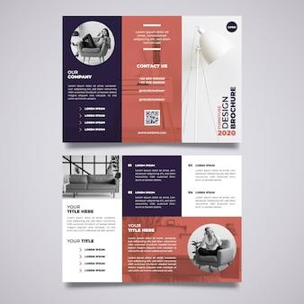 Minimale dreifach gefaltete broschürenvorlage mit bild