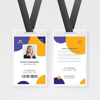 Minimalistische mitarbeiterausweisvorlage mit foto