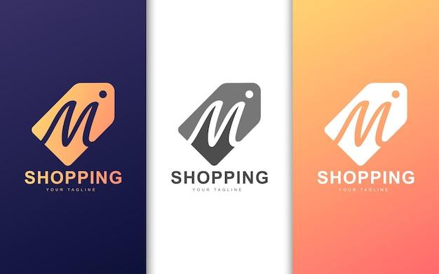 Minimalistisches m-buchstaben-logo im preisschild mit modernem konzept