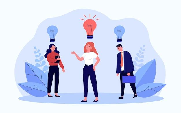 Mitarbeiter mit kreativer idee in glühbirne. geschäftsleute mit glühbirne ein- oder ausgeschaltet über dem kopf flache vektorgrafiken. inspiration, innovationskonzept für banner, website-design oder landing-webseite