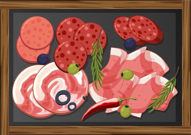 Mittagsfleisch-set mit verschiedenen aufschnitten auf platte