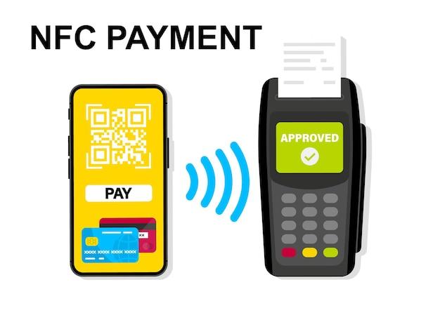 Mobile banking und zahlung per kreditkarte mit smartphone. kassenterminal bestätigt die zahlung. nfc-zahlungen. zum bezahlen scannen. zahlung per telefon zum scannen des qr-codes. kontaktloses bezahlen, bargeldlose technologie