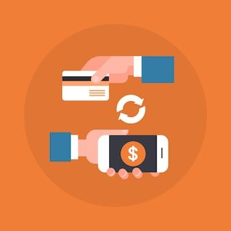 Mobile zahlungs-ikonen-hand, die intelligentes telefon und kreditkarte hält
