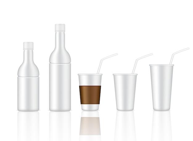 Mock up realistische kunststoff glas und weiße flasche produkt