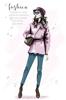 Modefrau in der mütze