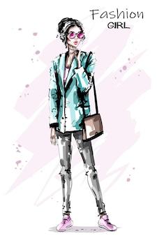 Modefrau mit handtasche