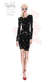 Modefrauenblick schönes mädchen im kleid