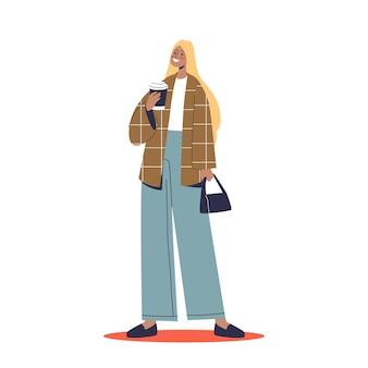 Modemädchen in jacke und trendiger jeans, die kaffee trinkt und stylische streetstyle-kleidung aus der herbstkollektion trägt. junge trendfrauen-hipster. flache vektorillustration der karikatur