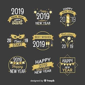 Moderne abzeichen-sammlung 2019 des neuen jahres mit flachem design