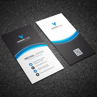 Moderne blaue visitenkarte mit abstrakten formen