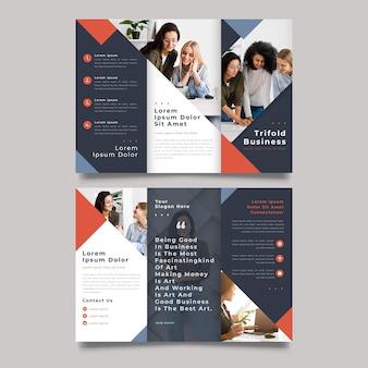 Moderne dreifach gefaltete broschürendruckvorlage