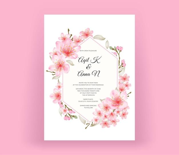 Moderne hochzeitseinladungskarte mit schöner kirschblüte