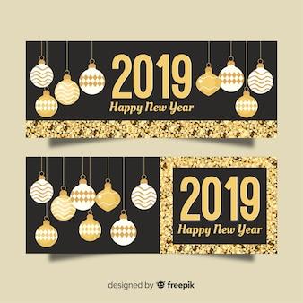 Moderne Parteifahnen des neuen Jahres 2019 mit flachem Design