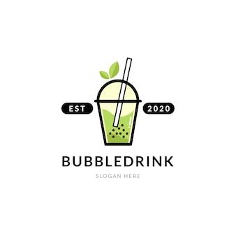 Moderner bubble-drink-tee mit blatt