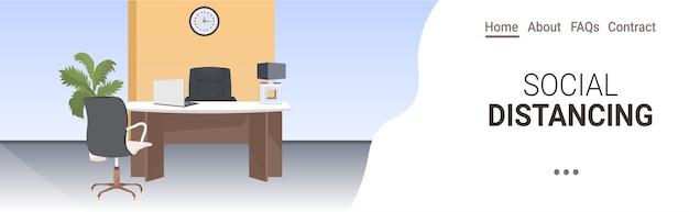 Modernes büro arbeitsplatz schreibtisch soziale distanz coronavirus epidemie schutz selbstisolation konzept