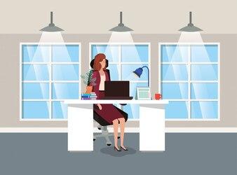 Modernes Büro mit geschäftsfrau sitzen