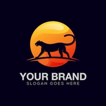 Modernes jaguar- oder panther-farbverlaufslogoentwurf für ihre geschäftsmarke