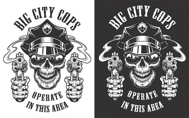Monochrome etiketten der weinlesepolizei mit gekreuzten schlagstöcken und schädel in polizistenhutillustration