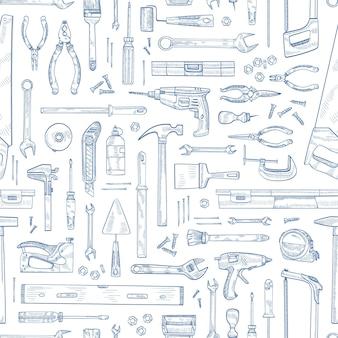 Monochromes nahtloses muster mit manuellen und angetriebenen haushaltswerkzeugen für die holzbearbeitung