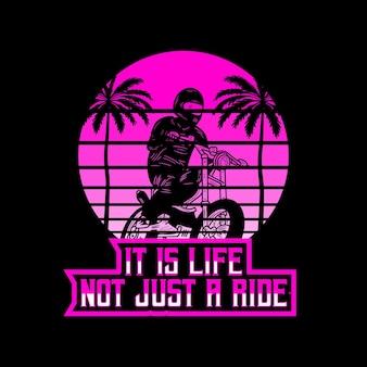 Motorcycle beach typografie für t-shirt-druck mit palmbeach und motorrad