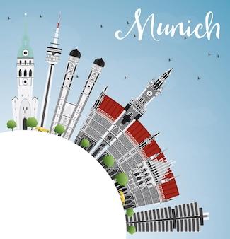 Münchner skyline mit grauen gebäuden, blauem himmel und textfreiraum. vektor-illustration. geschäftsreise- und tourismuskonzept mit historischer architektur. bild für präsentationsbanner-plakat und website