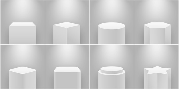 Museumsbühne. leerer produktsockel, weiße säule. plattform für ausstellung, expo-podium und spotlight 3d realistischer isolierter vektorsatz. geometrische ständer der galerie in unterschiedlicher form für exponate