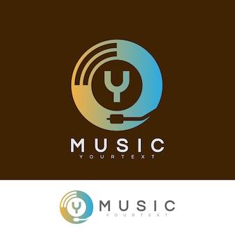 Musik anfangsbuchstabe a logo design