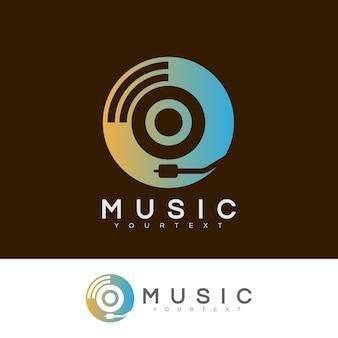 Musik anfangsbuchstaben o logo design
