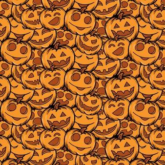 Muster des schrecklichen lächelns der handgezeichneten halloween-kürbisse