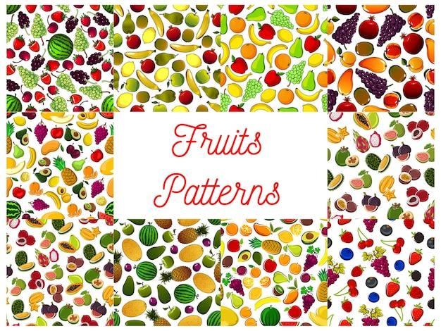 Mustersatz von frischen reifen früchten und beeren. wassermelone, erdbeere und granatapfel, kirsche und orange, zitrone, feigen und trauben, birne, apfel und pflaume, avocado und grapefruitfrüchte