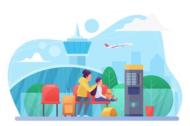Mutter und kind am flughafen, reisende mit gepäck in der wartehalle