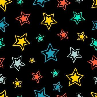 Nahtloser hintergrund von gekritzelsternen. mehrfarbige handgezeichnete sterne auf schwarzem hintergrund. vektor-illustration