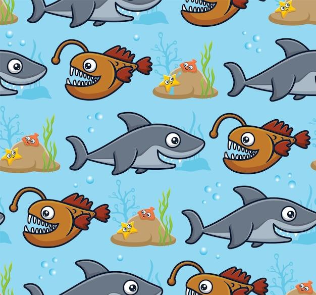 Nahtloser mustervektor der karikatur der meerestiere. seeteufel, hai mit seesternen und schalentieren an korallenriffen.